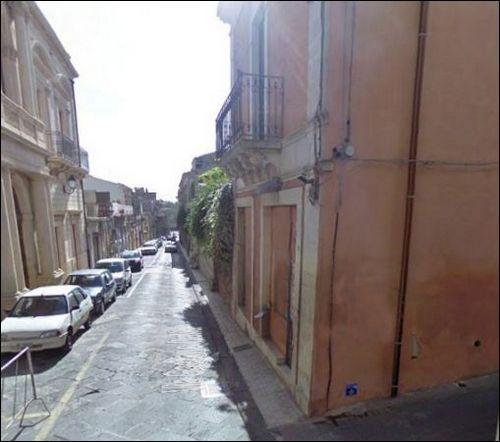 Palazzo / Stabile in Vendita a Palazzolo Acreide