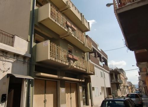 Appartamento in vendita a Vittoria, 6 locali, prezzo € 150.000 | CambioCasa.it