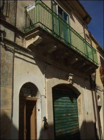 Palazzo / Stabile in vendita a Palazzolo Acreide, 3 locali, prezzo € 120.000 | Cambio Casa.it