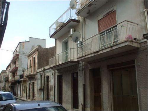 Palazzo / Stabile in vendita a Floridia, 5 locali, prezzo € 69.000 | Cambio Casa.it