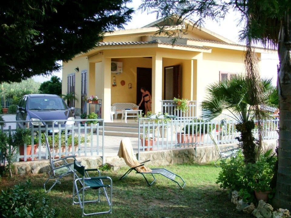 Villa Tri-Quadrifamiliare in Vendita a Partinico