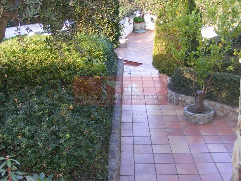 Villa Tri-Quadrifamiliare in vendita a Sant'Anna Arresi, 7 locali, Trattative riservate | Cambio Casa.it