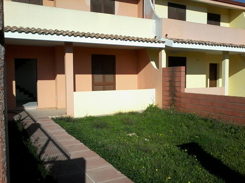 Villa Tri-Quadrifamiliare in vendita a San Giovanni Suergiu, 4 locali, prezzo € 125.000 | CambioCasa.it