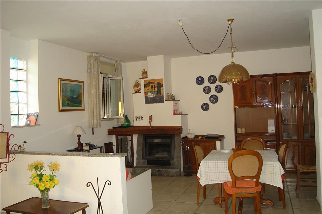 Soluzione Semindipendente in affitto a Catanzaro, 3 locali, prezzo € 400 | CambioCasa.it