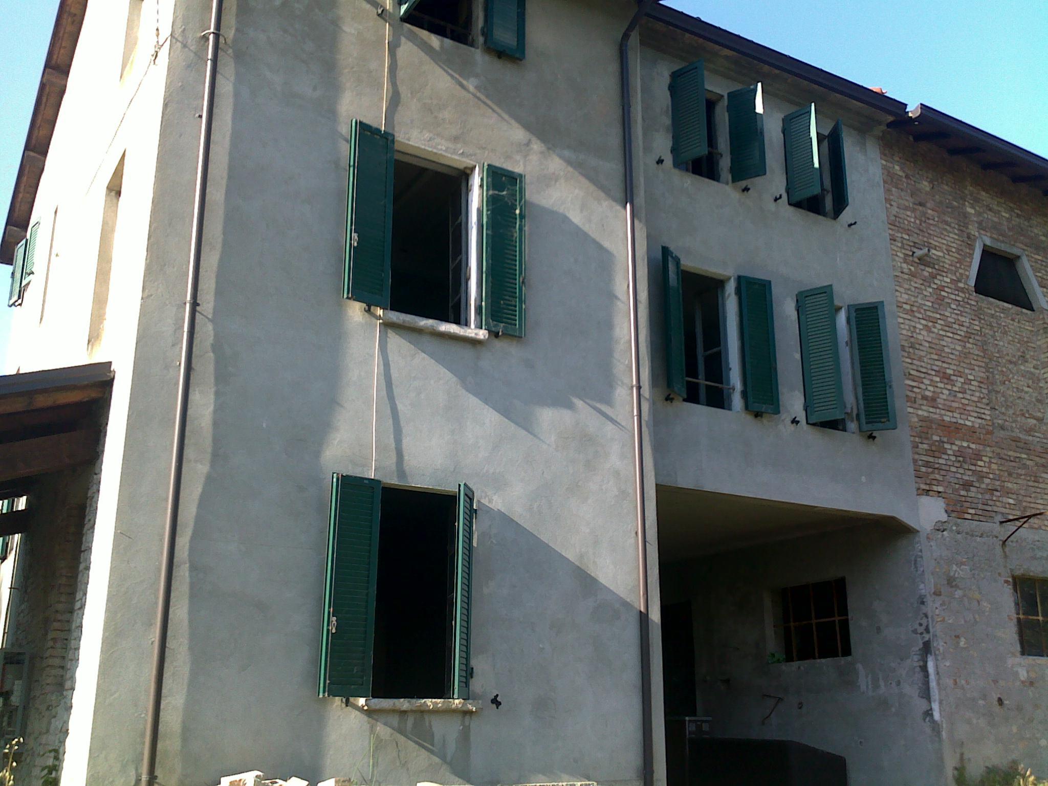 Rustico / Casale in affitto a Varano de' Melegari, 6 locali, Trattative riservate | Cambio Casa.it