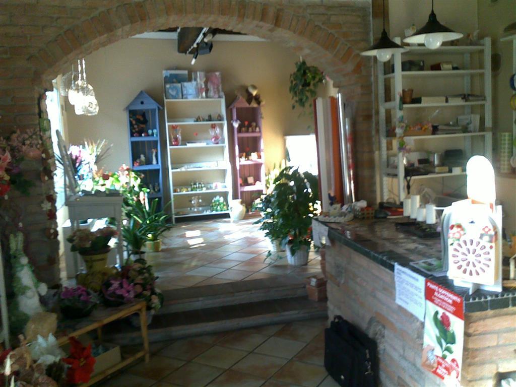 Ufficio / Studio in affitto a Medesano, 3 locali, prezzo € 450 | Cambio Casa.it