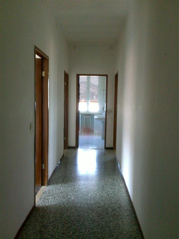 Appartamento in affitto a Fornovo di Taro, 4 locali, prezzo € 400 | Cambio Casa.it