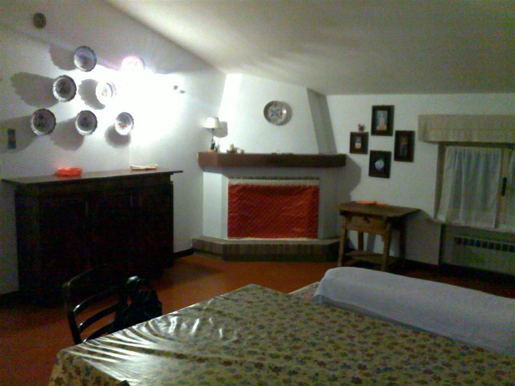 Appartamento in affitto a Fornovo di Taro, 2 locali, prezzo € 380 | Cambio Casa.it