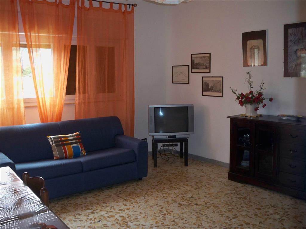 Appartamento in affitto a ponza agenzie immobiliari ponza for Soggiorno a ponza