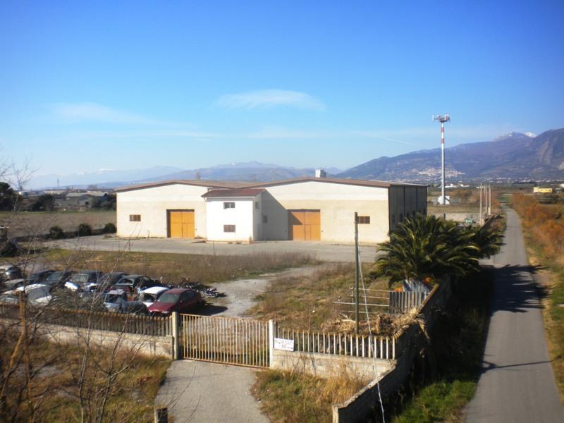 Capannone in vendita a Villapiana, 2 locali, prezzo € 245.000   CambioCasa.it