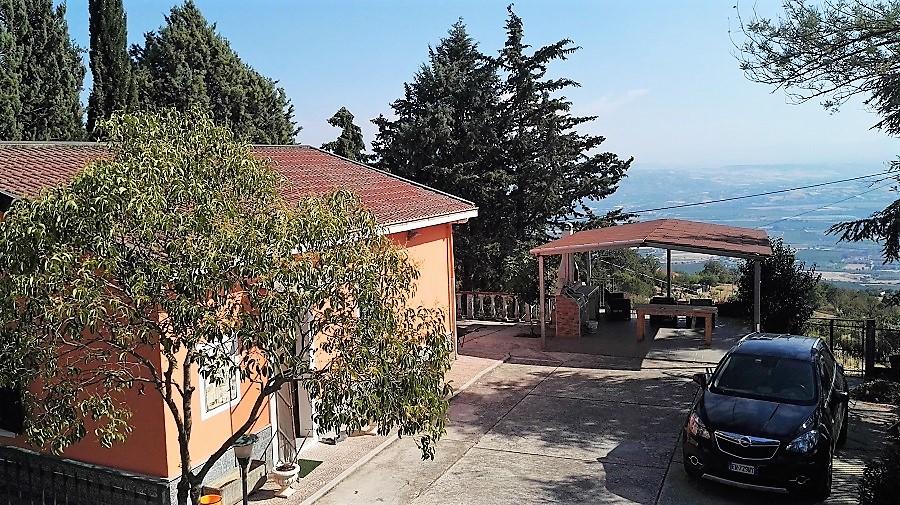 Villa Tri-Quadrifamiliare in vendita a Castrovillari, 4 locali, prezzo € 83.000 | CambioCasa.it