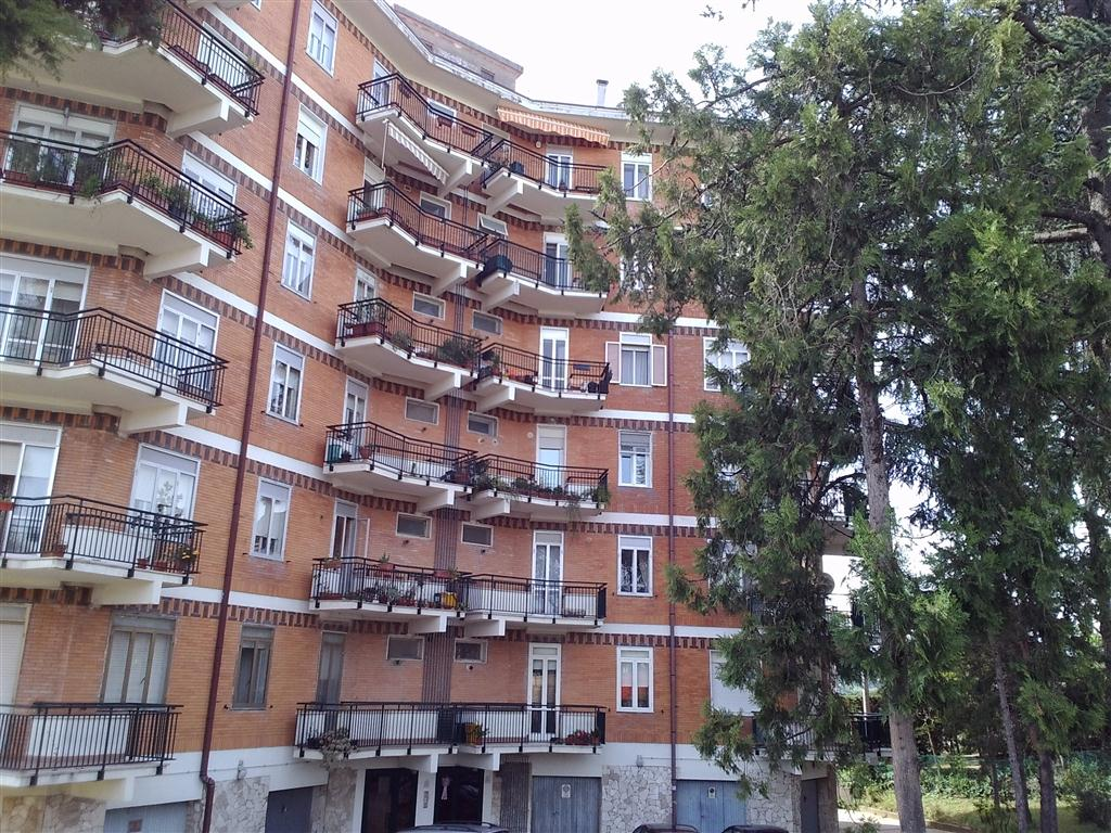 Appartamento in vendita a Miglianico, 6 locali, prezzo € 170.000 | Cambiocasa.it