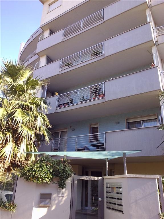 Attico / Mansarda in vendita a Pescara, 5 locali, prezzo € 440.000   Cambio Casa.it