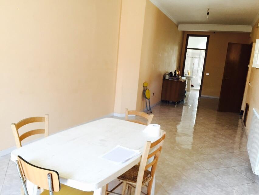 Appartamento in affitto a Fondi, 5 locali, prezzo € 500 | Cambio Casa.it