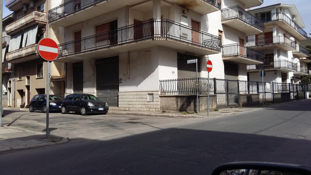 Magazzino in vendita a Fondi, 1 locali, prezzo € 130.000 | CambioCasa.it