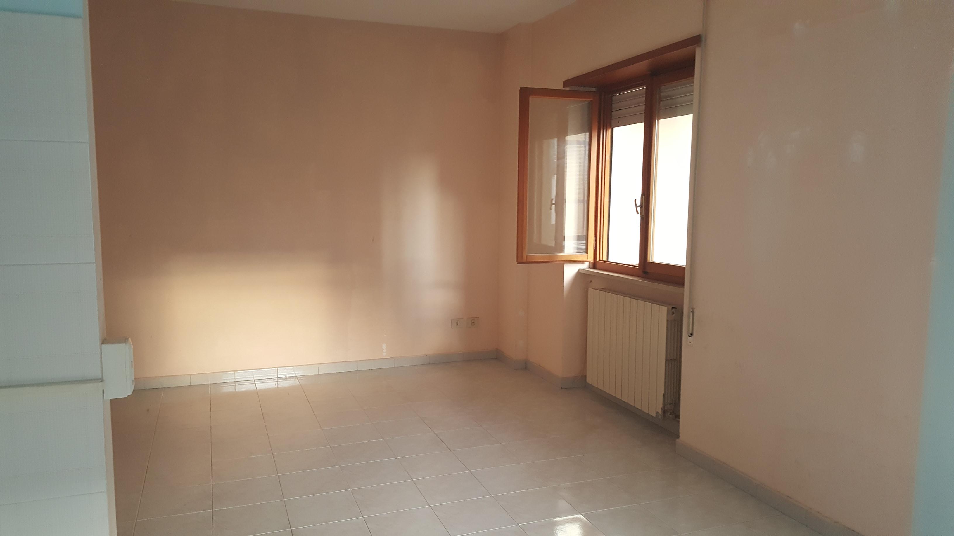 Appartamento in vendita a Itri, 3 locali, prezzo € 80.000 | CambioCasa.it