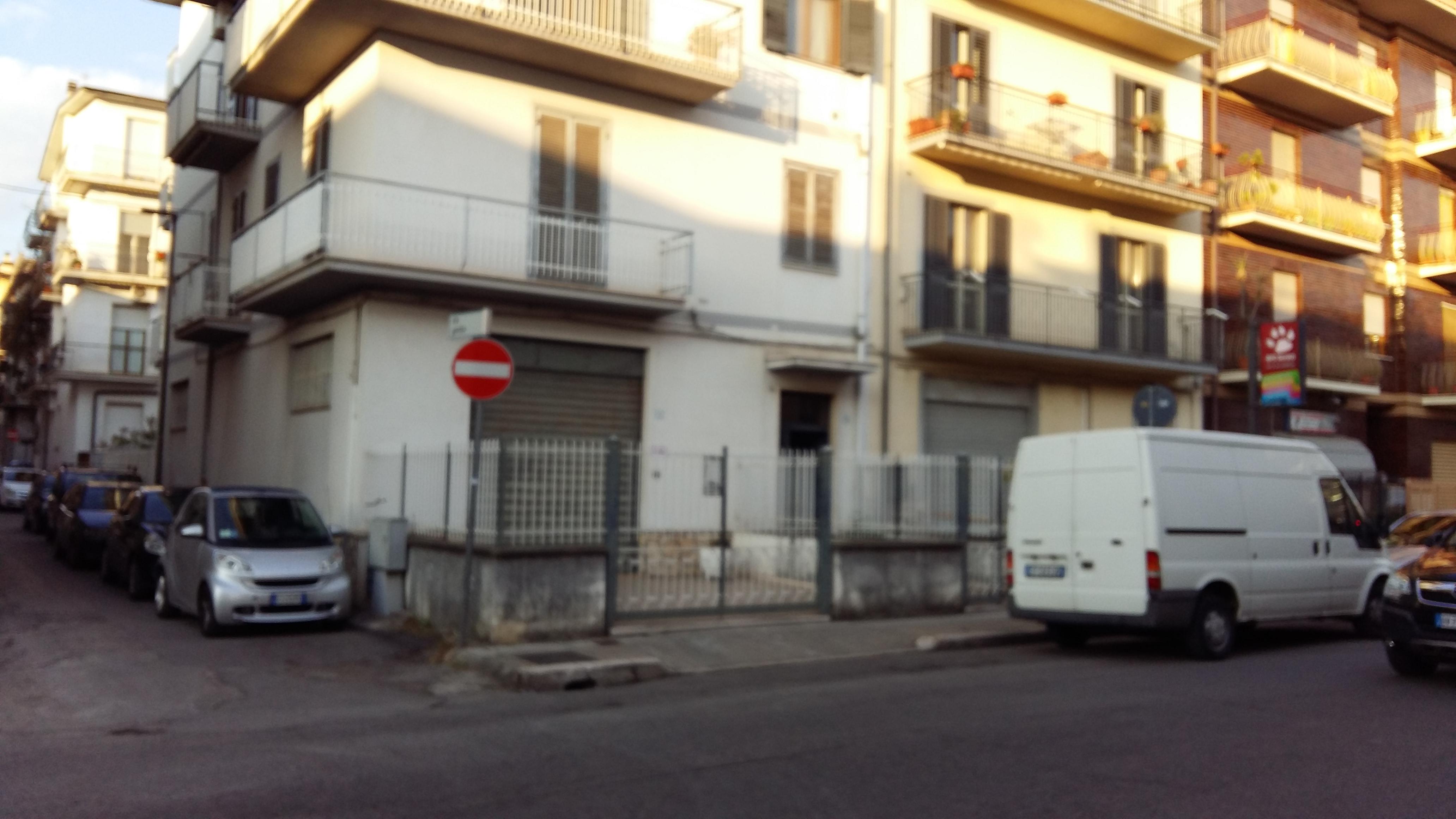 Magazzino in affitto a Fondi, 1 locali, prezzo € 600 | CambioCasa.it
